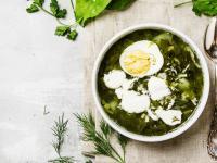Samo zdrowie czy zabójcza potrawa? Co powinnyśmy wiedzieć o zupie szczawiowej