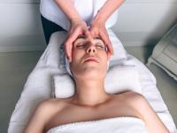 Odmładzanie bez skalpela? Postaw na japoński masaż Kobido