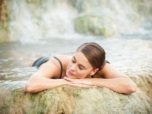 Kąpiel siarczkowa dobra dla skóry i nie tylko
