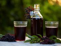 Sok z bzu czarnego – fioletowy skarb na jesień i zimę!
