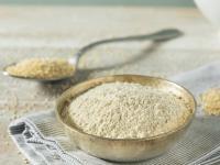 Mąka z komosy ryżowej – czemu warto dodawać ją do wszystkich wypieków?