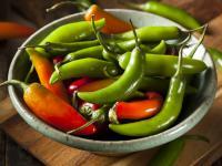 Zdrowa pikantność na talerzu. Co jeszcze wiemy o papryce serrano?