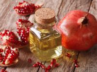 Olej z pestek granatu – właściwości i działanie. Jak stosować olejek z pestek granatu?