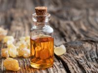 Olejek kadzidłowy – uwalnia umysł, niszczy drobnoustroje