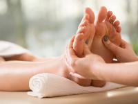 Refleksologia – czyli jak leczyć ciało i duszę masując stopy