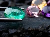Kamienie szlachetne ‒ opis, właściwości i rodzaje kamieni szlachetnych