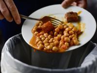 Marnowanie żywności napędza zmiany klimatyczne