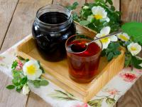 Syrop z dzikiej róży – właściwości, skład i zastosowanie syropu z dzikiej róży