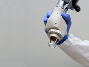 Laser CO2 ‒ wskazania, działanie i efekty po zastosowaniu lasera CO2
