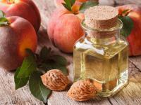 Olej z pestek brzoskwini – łagodny, ochronny, odmładzający