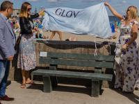 Ławki ze zużytych rękawic stanęły w Gdyni