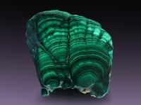 Malachit – kojący zielony kamień