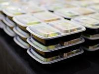 Jesz z plastiku? Narażasz się na wiele niebezpiecznych substancji chemicznych