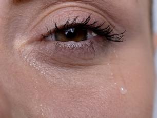 Łzawienie oczu, czyli jak przestać płakać?